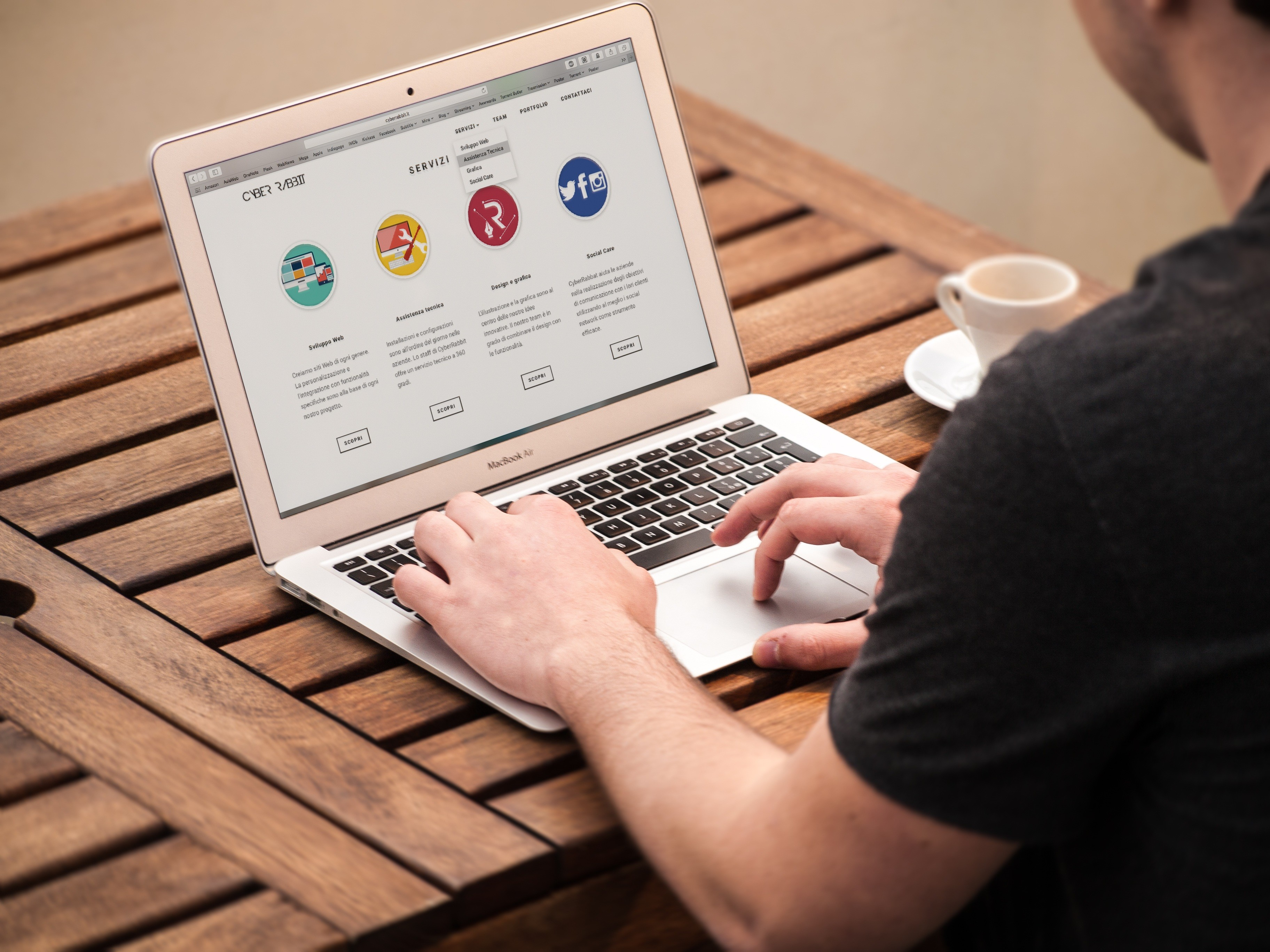 Descubra a diferença de um site e uma landing page