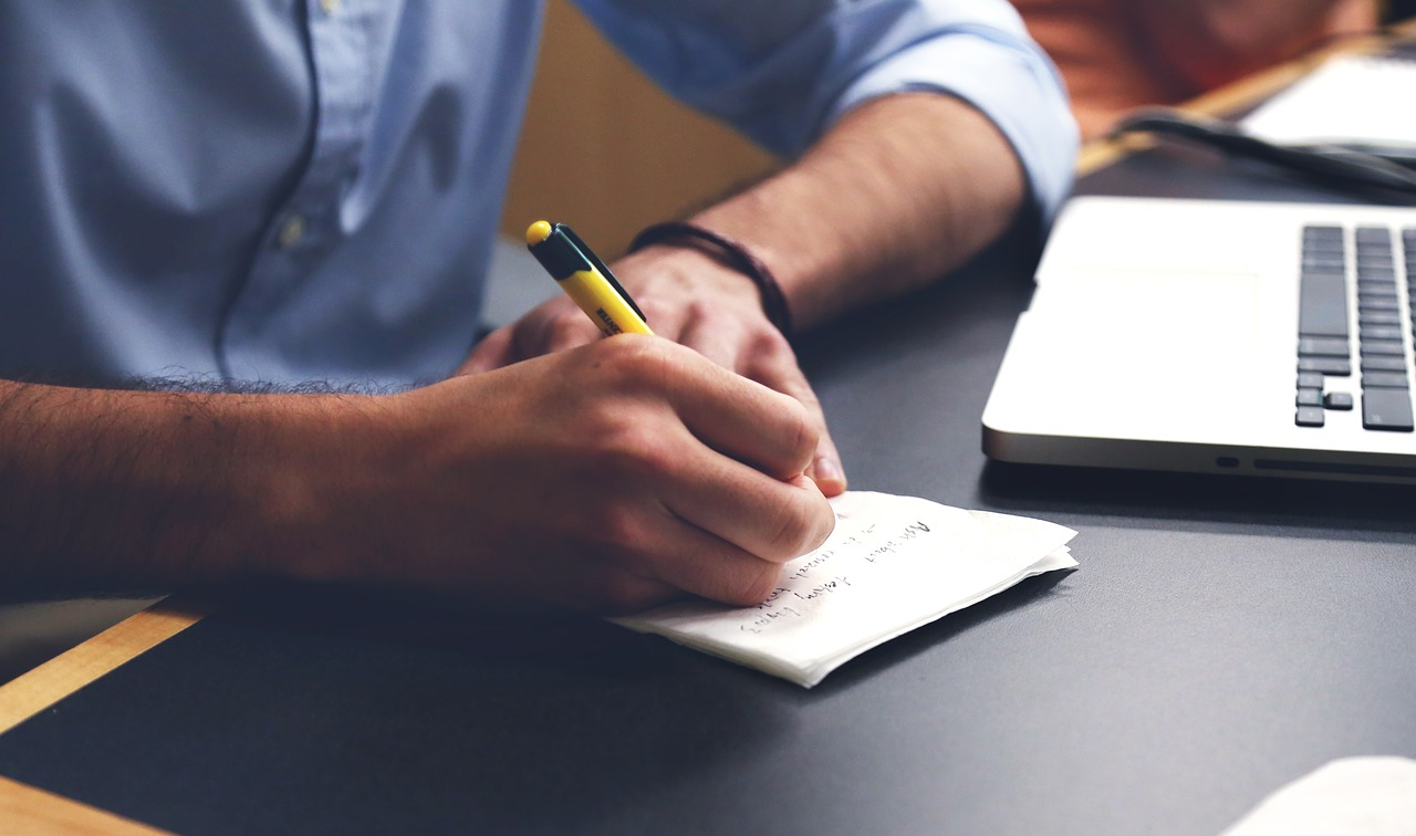 Saiba como definir suas palavras-chave na sua campanha de marketing no nosso artigo!